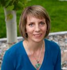 Julie Riddle author photo